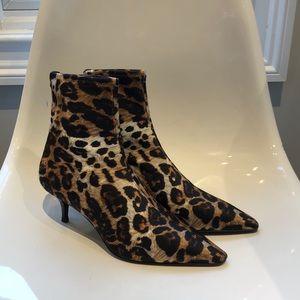 NIB Giuseppe Zanotti stretch leopard bootie. 39/9